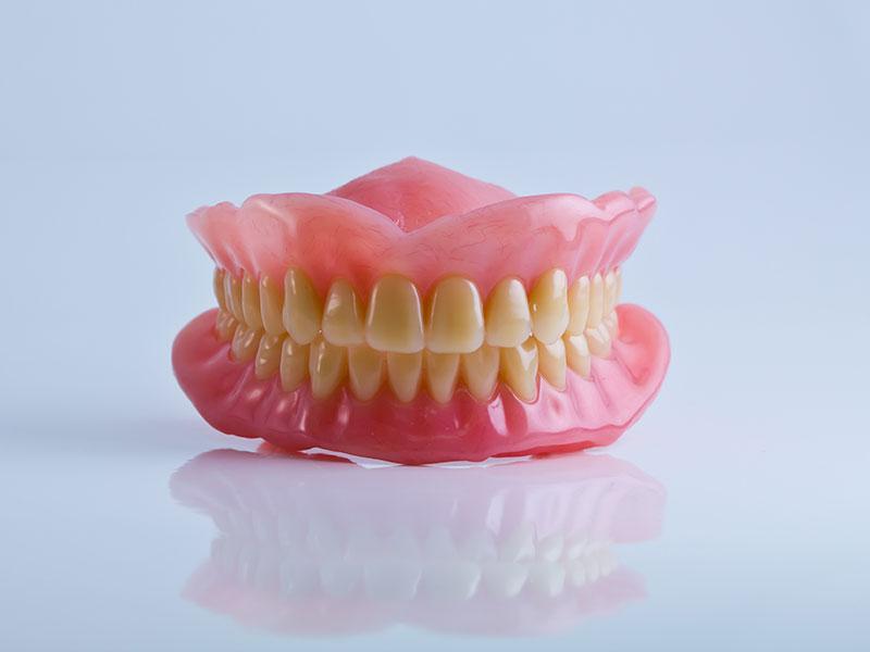 Precio protesis dental en Sevilla